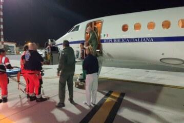 Aeronautica, doppio intervento salva vita nel cuore della notte per due piccole pazienti   Due trasporti sanitari urgenti sono stati effettuati nella notte a favore di una bimba di cinque anni e una neonata di 3 giorni