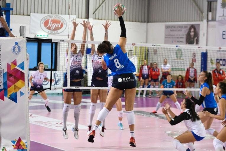 ^GIORNATA A2 FEMMINILE. Sigel Marsala Volley-Lpm Bam Mondovì 2-3