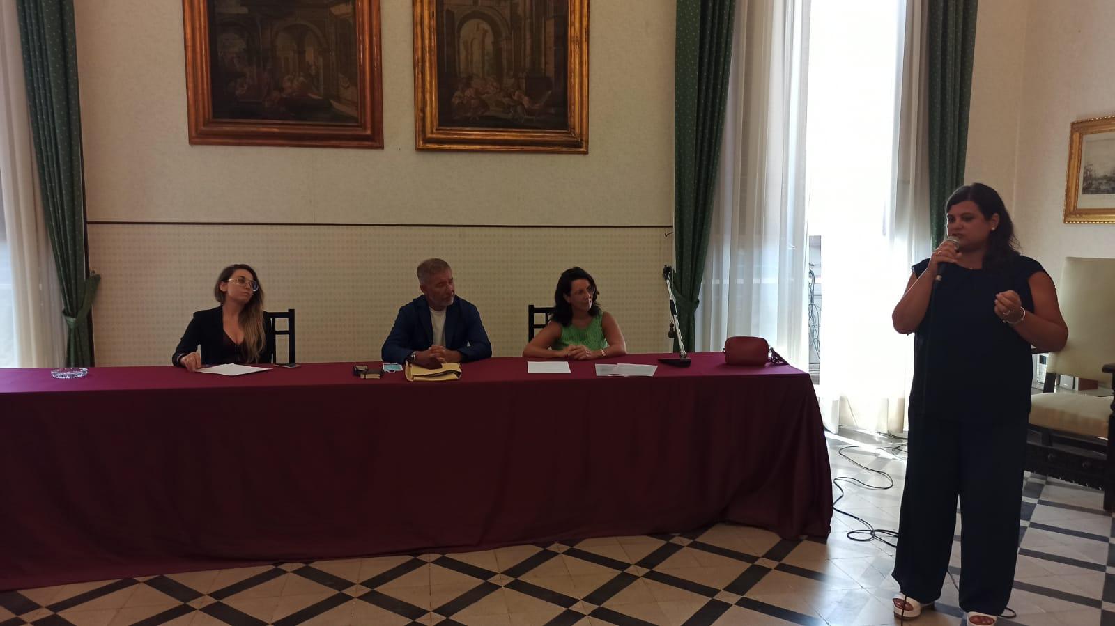 Il Comune di Trapani e il territorio del Distretto Socio Sanitario n.50, in partenariato con l'università di Palermo, ha ottenuto il finanziamento del progetto denominato Fami Mi.Main che è stato presentato oggi a palazzo d'Alì.
