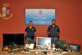 Mazara del Vallo – la Polizia di Stato arrestauna coppia di giovani per detenzione illegale a fini di spaccio e detenzione di arma clandestina