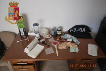 Marsala: trovato con 108 grammi di cocaina pura e 5.000 euro. Denunciato dalla Polizia di Stato.