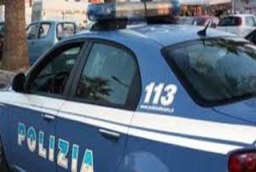Incendia auto all'ex compagna: giovane  arrestato dalla Polizia