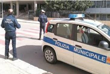 Controlli della Polizia Municipale al mercato di Piazzale Ilio. Elevata sanzione amministrativa
